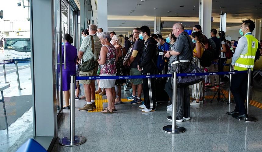 Греция продлила до 19 апреля разрешение на въезд четырех тысяч россиян в неделю