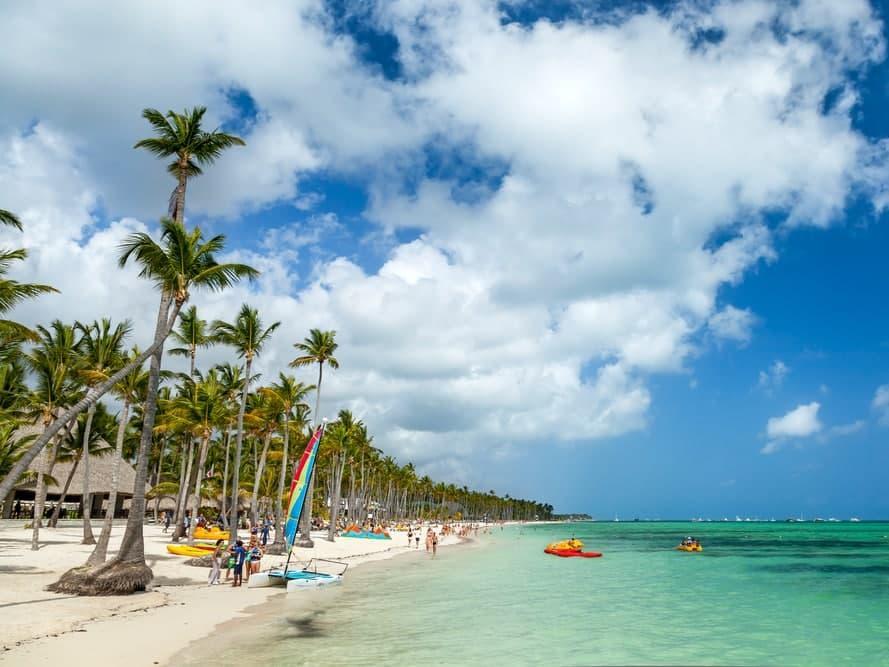 Доминикана продлила срок бесплатного медицинского страхования для туристов до 30 апреля 2021 года