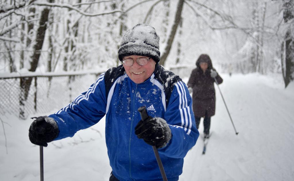 Поддержание и укрепление здоровья: опрос показал, что более половины россиян занимаются спортом
