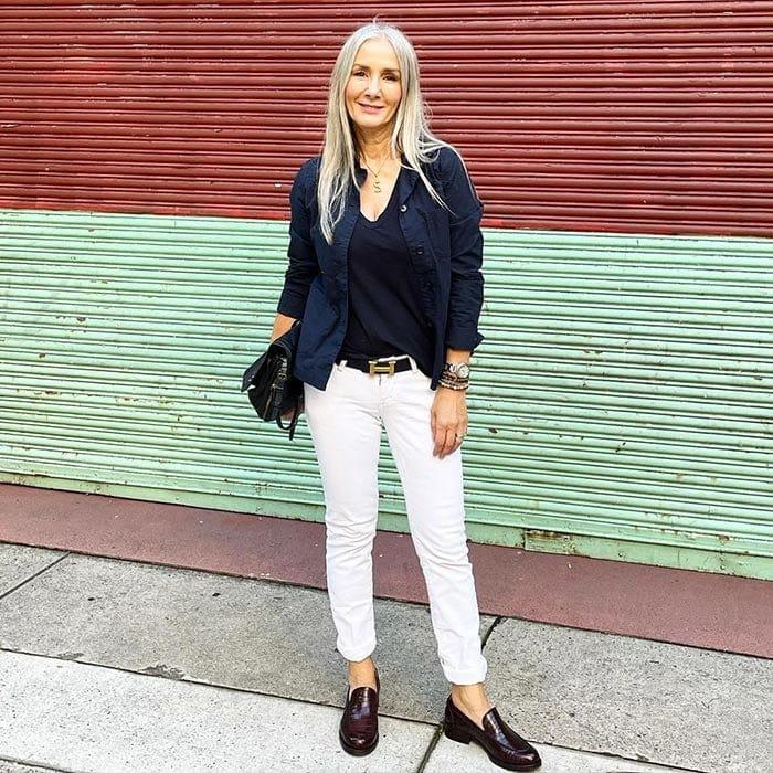 Стильная классика и ничего лишнего: создаем модный капсульный гардероб для женщин старше 40