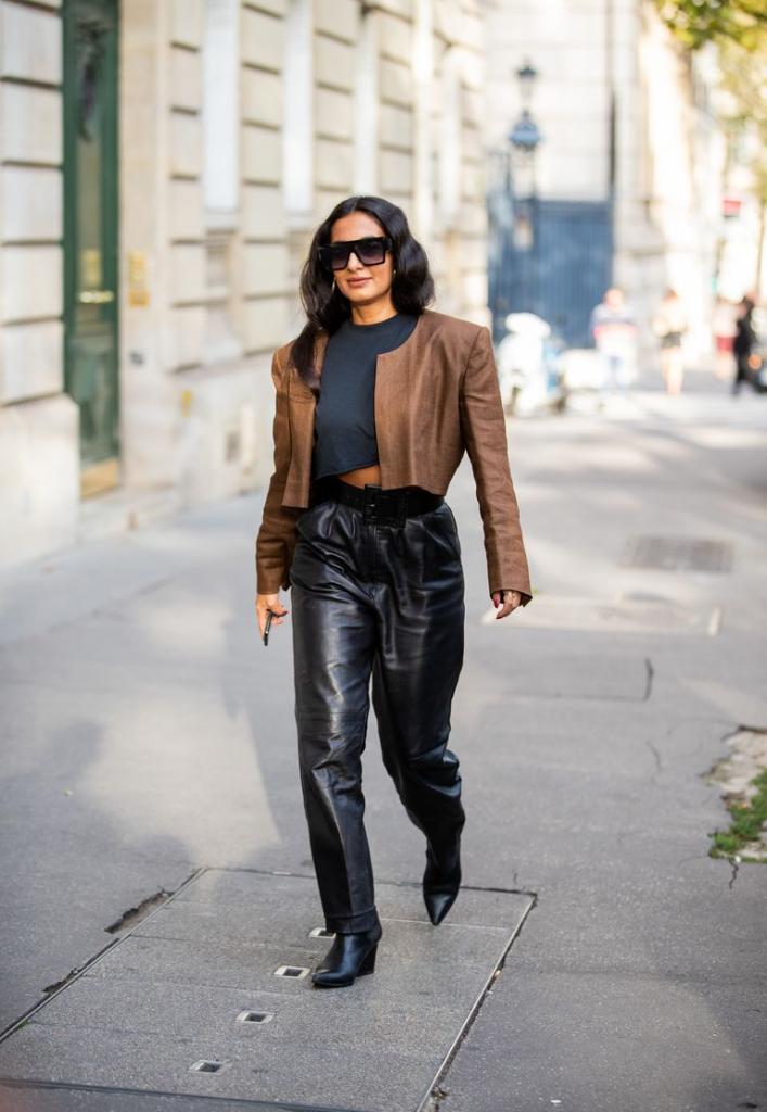 На смену длинным блейзерам пришли укороченные варианты: модные модели весны и советы, как и кому их лучше носить