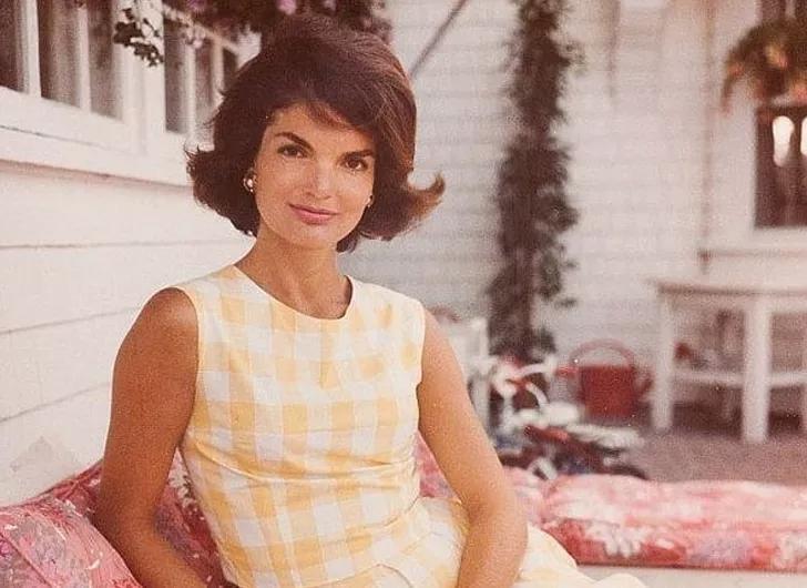 Простой прием, который использовала Жаклин Кеннеди для сохранения густоты и красоты волос