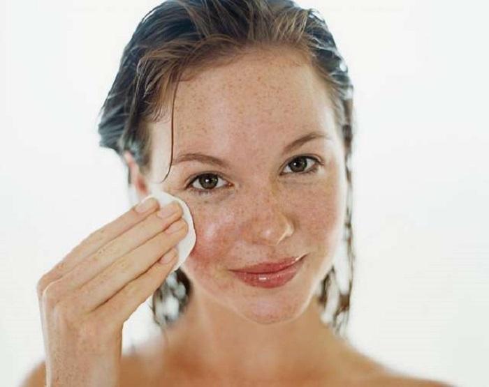 Полезно для волос и не только: почему никогда не стоит сливать воду после промывания риса