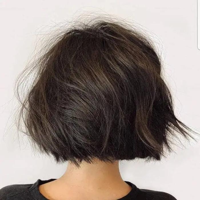 Если локоны кажутся тусклыми, а цвет немного надоел: советы, как стилизовать каштановые волосы в тенденциях этой весны