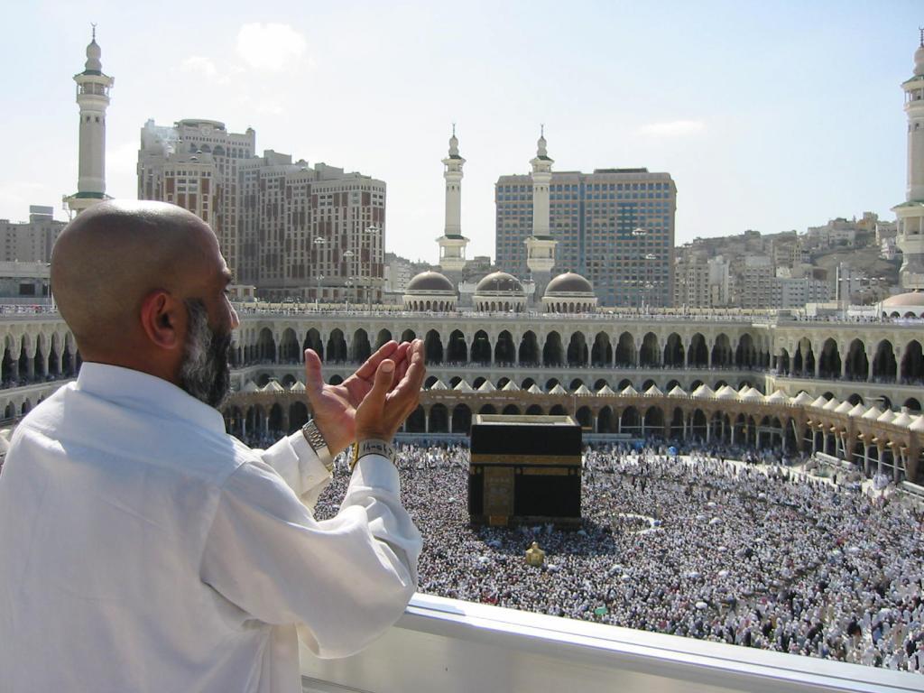 Совершить хадж привитым паломникам на свою территорию позволили власти Саудовской Аравии