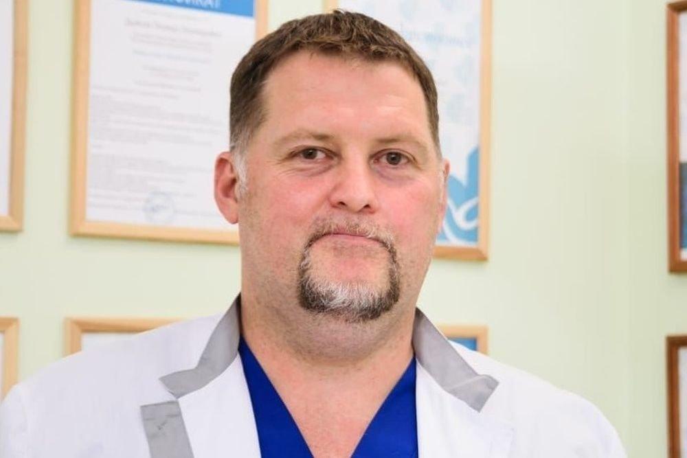 Не тренироваться, не мочить и не паниковать: врач рассказал, как вести себя в перерыве между дозами вакцины от коронавируса