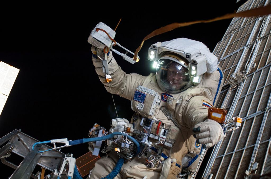 Программисты мечтают о звездах: согласно опросу, каждый третий россиянин готов к полету в космос