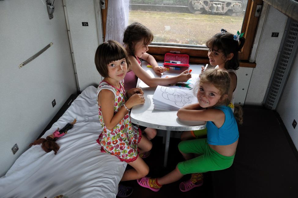 Школьники получат скидку 50 % на проезд в поездах летом 2021 года: 5 интересных направлений, где каждому подростку будет интересно и весело