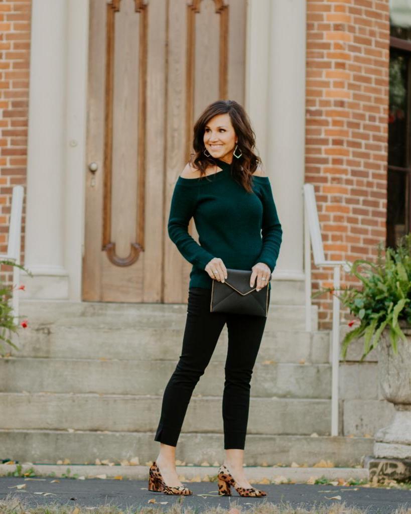 Черный пиджак и еще 10 предметов гардероба, которые должны быть у каждой женщины старше 40