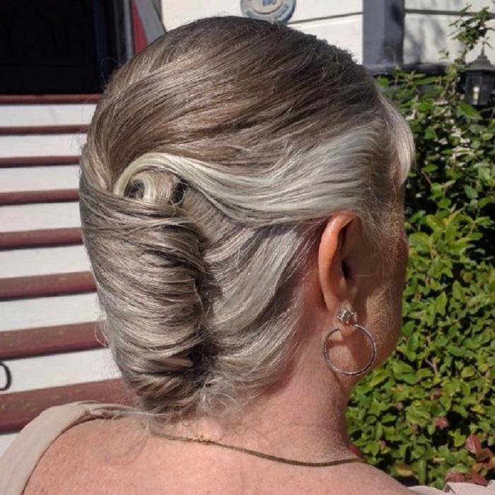 Если хочется сохранить длину: 10 стильных причесок на длинные волосы для женщин в возрасте