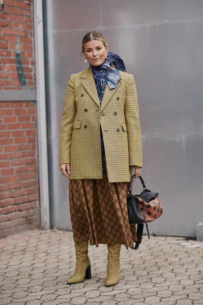 Приталенный жакет должен быть в гардеробе каждой женщины: актуальные модели