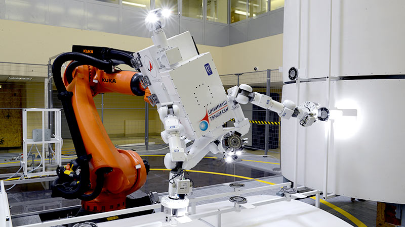 С высокой точностью и скоростью: российские ученые создали робота для работы в космосе (фото)