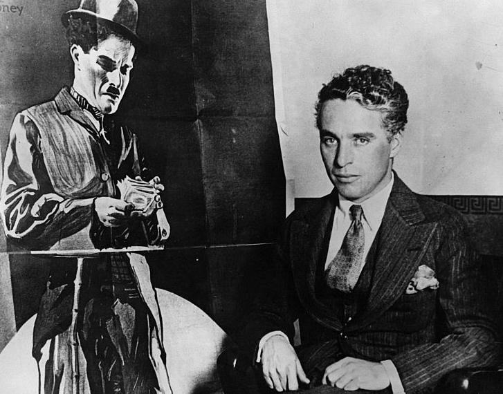 """""""Звезды среди звезд дают мало света и еще меньше тепла"""": жизнь Чарли Чаплина в цитатах из его мемуаров"""