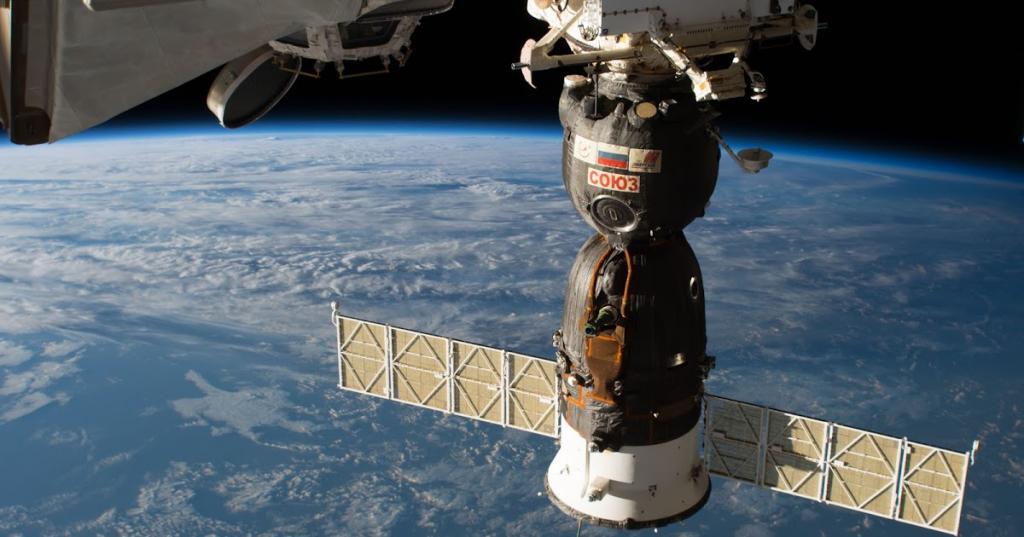"""Все как часы: космический корабль """"Союз МС-18"""" пристыковался к МКС"""