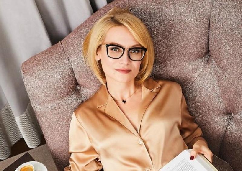 Эвелина Хромченко посоветовала, как скрыть широкие бедра