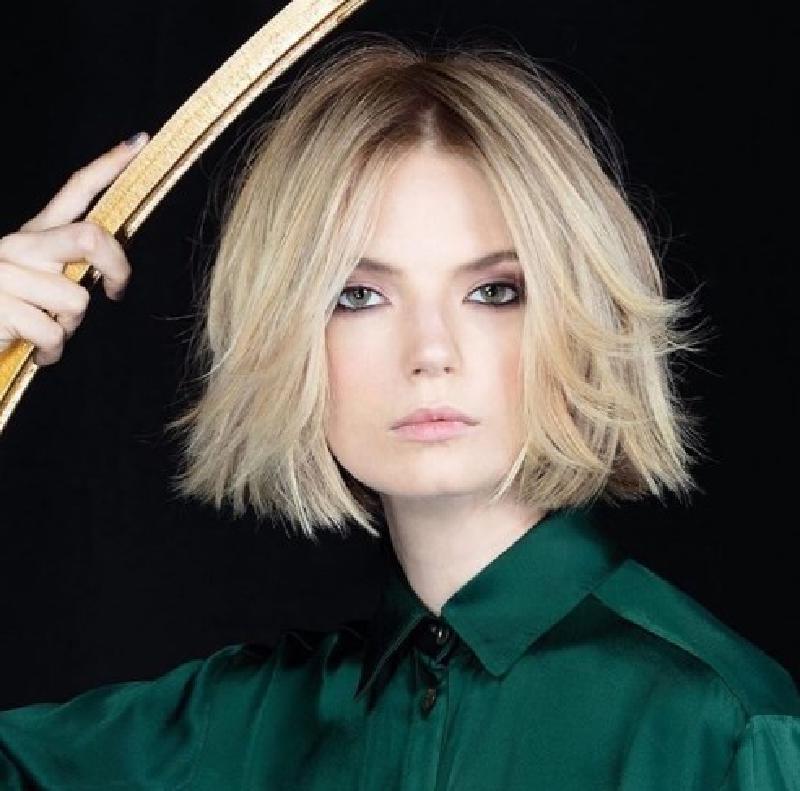 Модно и красиво: идеальные модели стрижек для стильных дам на летний сезон