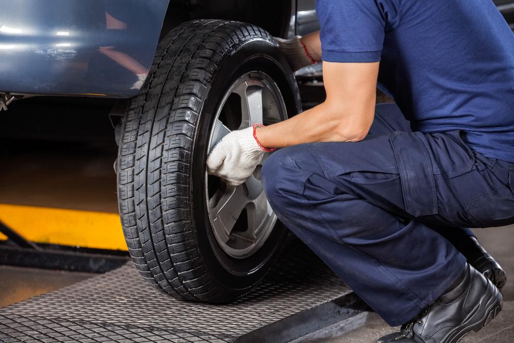 Эксперты рассказали, когда автомобилистам следует менять зимнюю резину