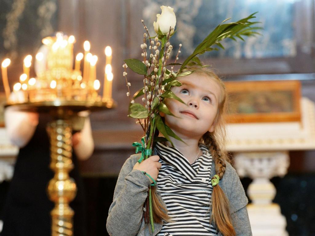 В Греции освящают зелень, в Италии дарят ветки оливы: как отмечают Вербное воскресенье в других странах