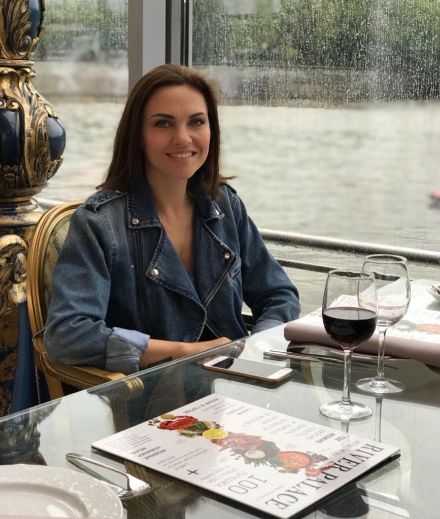 Витамины, занятия на петлях и фирменный салат: Надежда Ручка поделилась секретами красоты