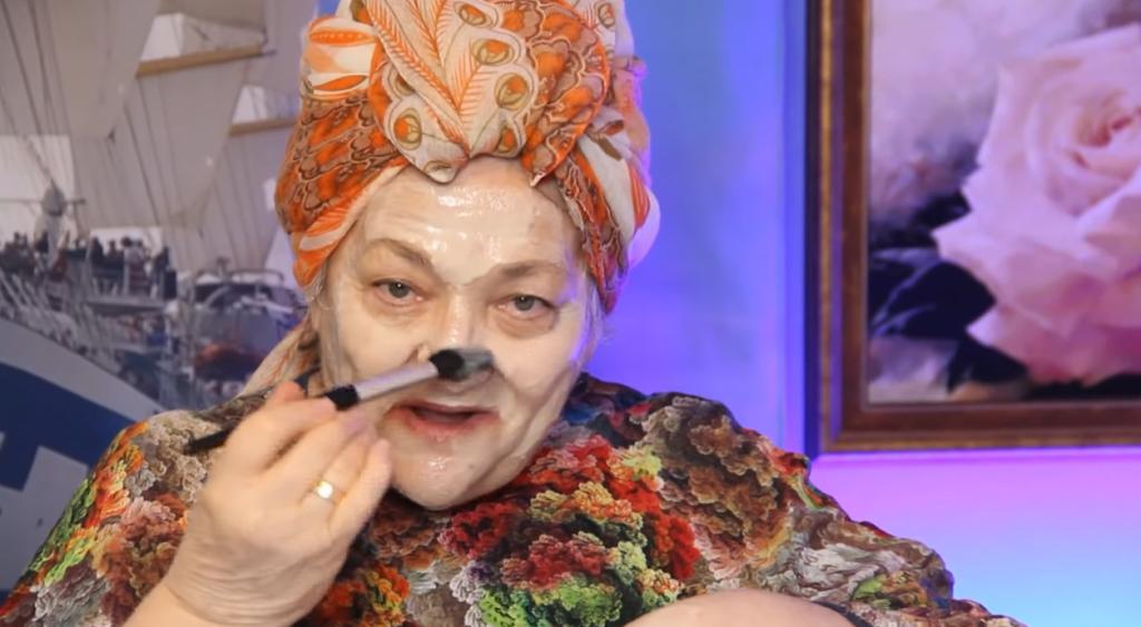 """Может показаться, что замешиваем тесто: готовим омолаживающую маску - возраст """"снимет рукой"""""""