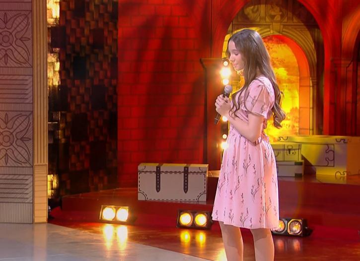 Ком в горле и слезы на глазах: дочь Юлии Началовой исполнила мамин хит (видео)