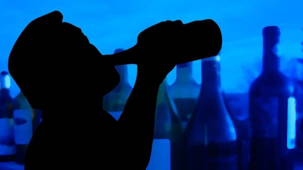 Ученые 20 лет наблюдали за продолжительностью жизни людей, употребляющих алкоголь, и подсчитали, насколько дольше можно прожить, отказавшись от спиртного