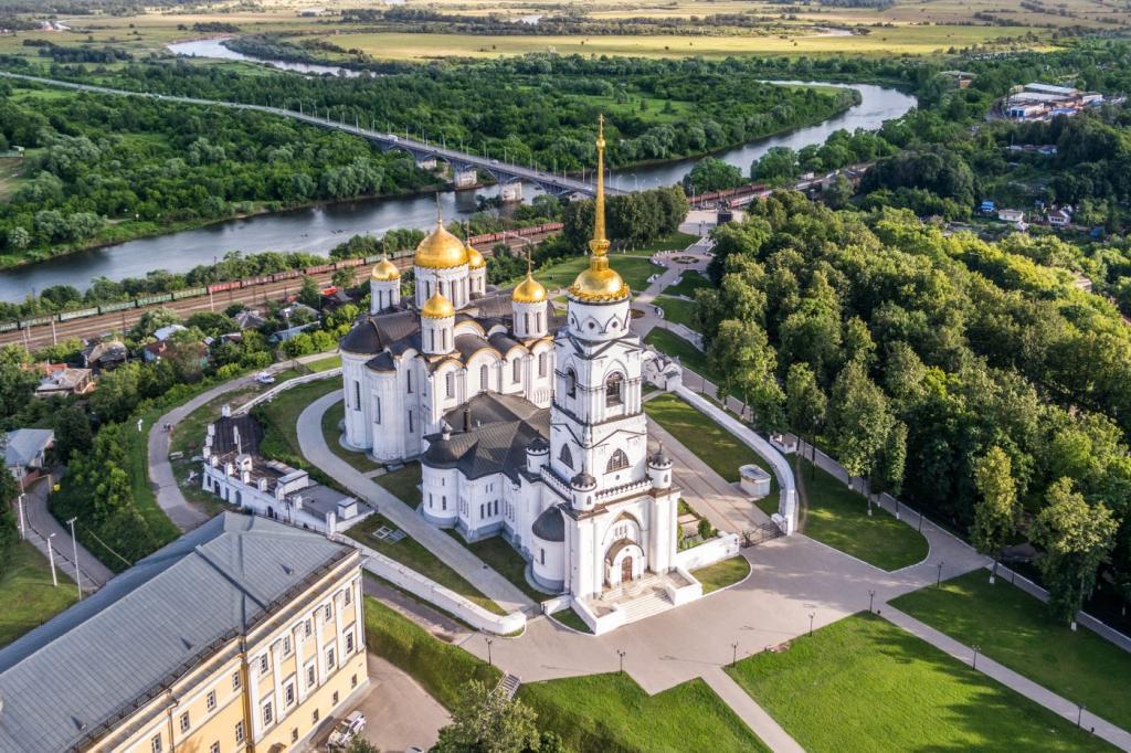 Куда поехать на майские праздники: самые популярные направления россиян и самые неожиданные для избалованного туриста