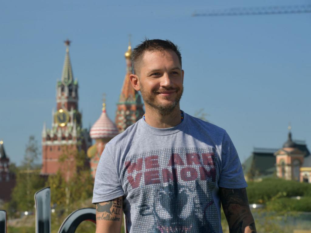 Райан Рейнольдс на Красной площади и Том Харди в Якутске: фото голливудских звезд, гуляющих по России