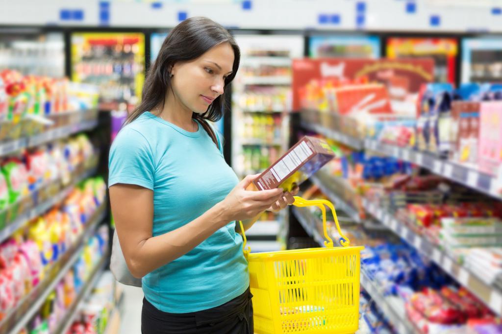 Знают все цены в магазине и собирают мелочь в баночку: финансовые уловки, которыми обладают только женщины, ставшие матерями