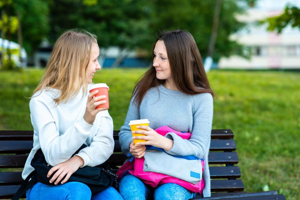 Как восстановить отношения с другом после долгого перерыва: практические советы от эксперта по отношениям