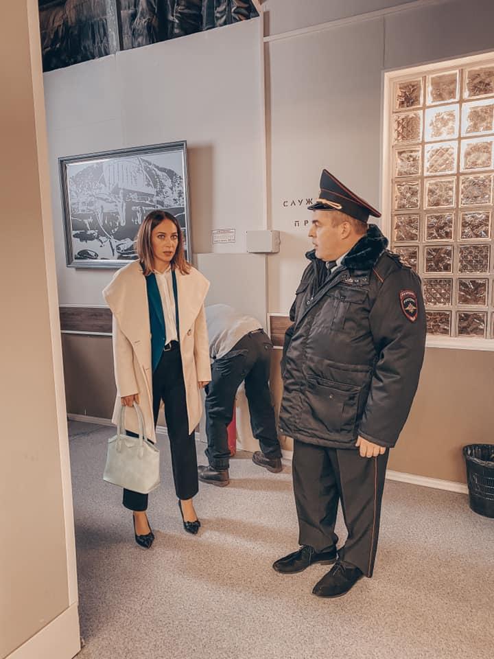 Кем работает внучка Станислава Любшина: фото
