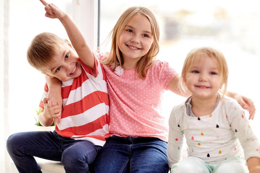 Возрастной разрыв: как разница в возрасте влияет на отношения братьев и сестер