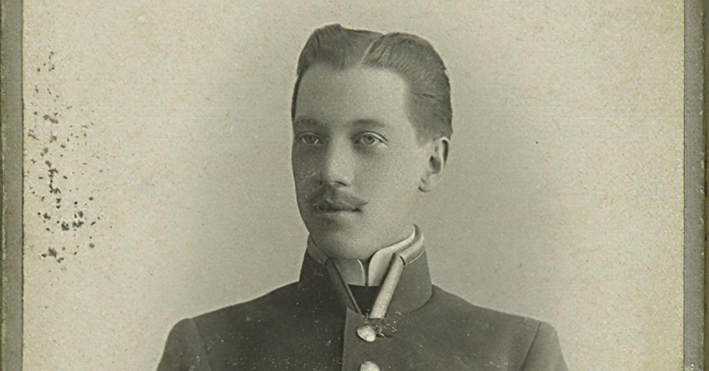 Какой-то русский в военной форме, который говорил без умолку: как Гилберт Честертон встретил Николая Гумилева в Лондоне