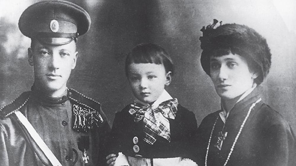 «Я монархист»: почему Николай Гумилев не боялся большевиков и открыто говорил о своих взглядах