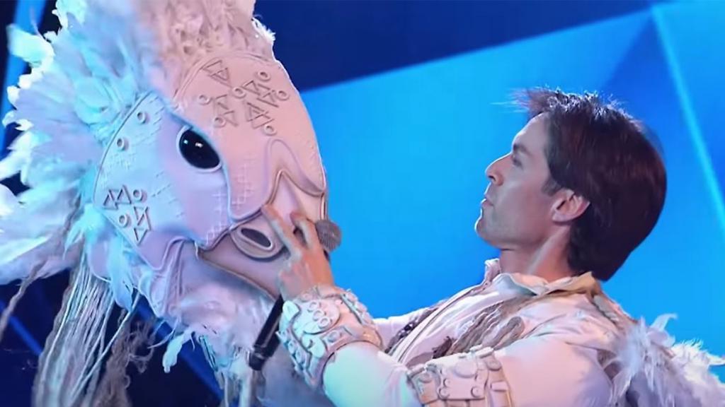"""""""Я абсолютно ничего не видел"""": певец Марк Тишман рассказал, как ощущал себя в костюме Орла на шоу """"Маска"""""""