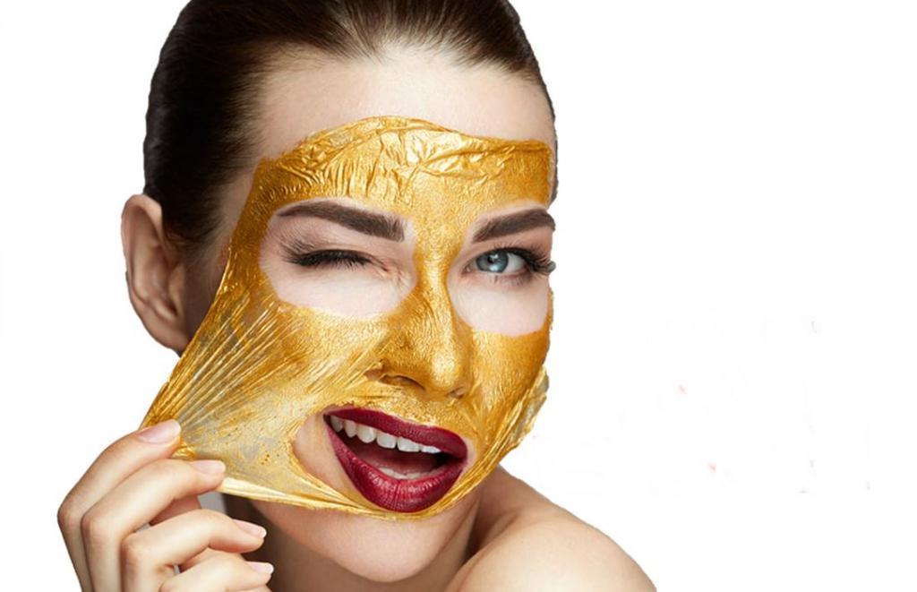 Не стоит одновременно отшелушивать и добиваться яркости: косметические средства, которые нельзя использовать вместе