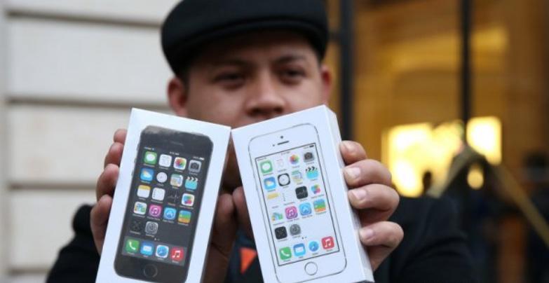 Продажи подержанных смартфонов выросли: на что обращать внимание при покупке б/у телефона