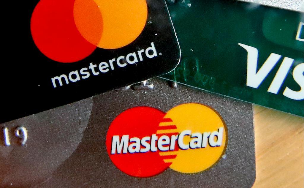 Брелок для оплаты товаров: Mastercard в России запустил новый способ бесконтактной оплаты