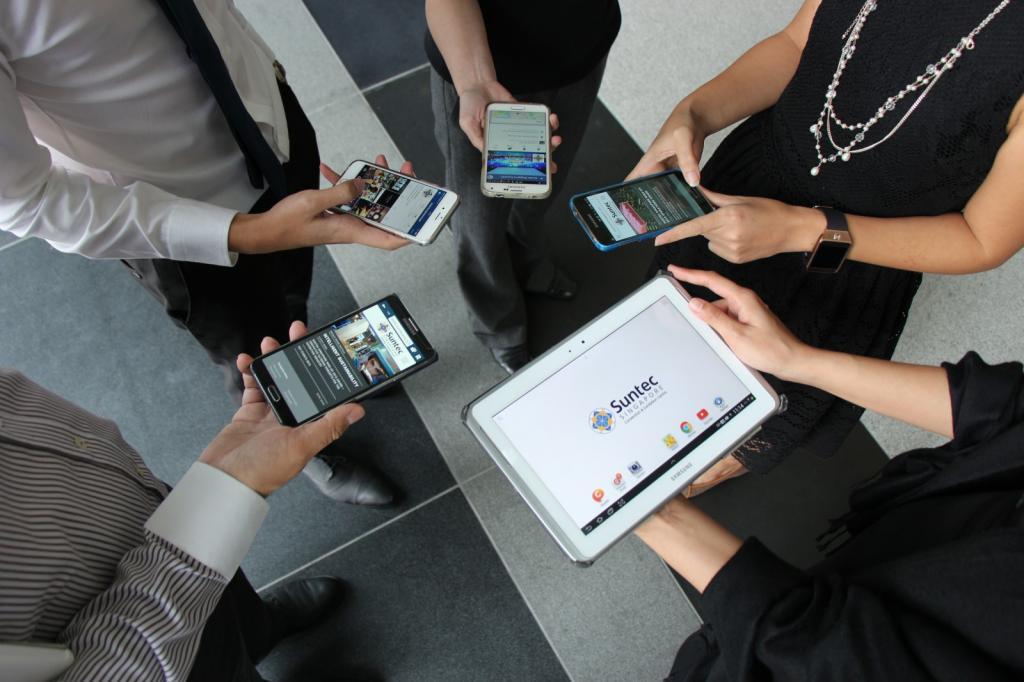 Никаких паролей от онлайн-банков: эксперт назвал способ обезопасить публичный Wi-Fi