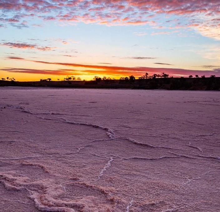 """""""Это нужно увидеть, чтобы поверить"""": путешественники стремятся посетить провал в Южной Австралии"""