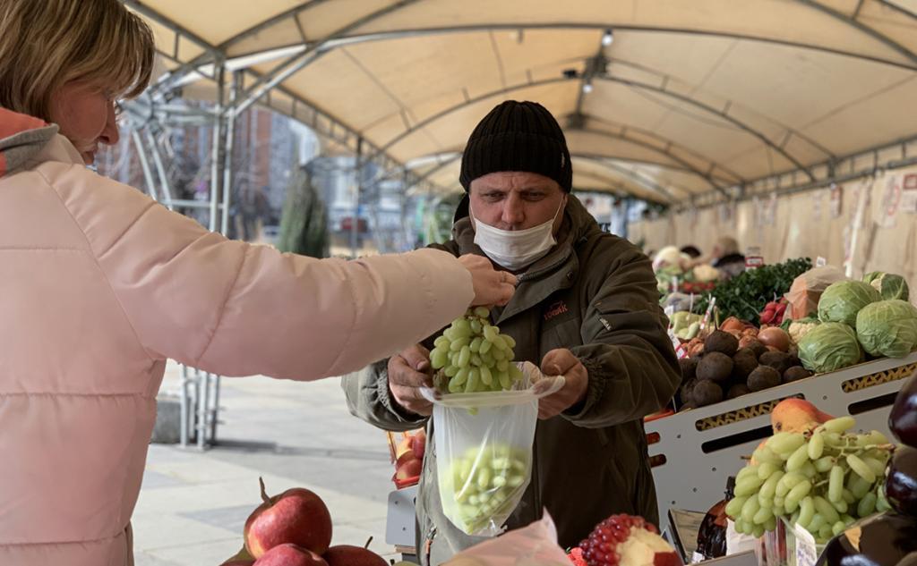 Росстат объявил о снижении бедности в России в 2020 году. По итогам прошлого года уровень снизился до 12,1 процента