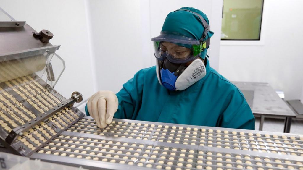 В Перми начнут выпускать «КОВИД-глобулин» – препарат для лечения средней и тяжелой форм коронавирусной инфекции из плазмы крови переболевших