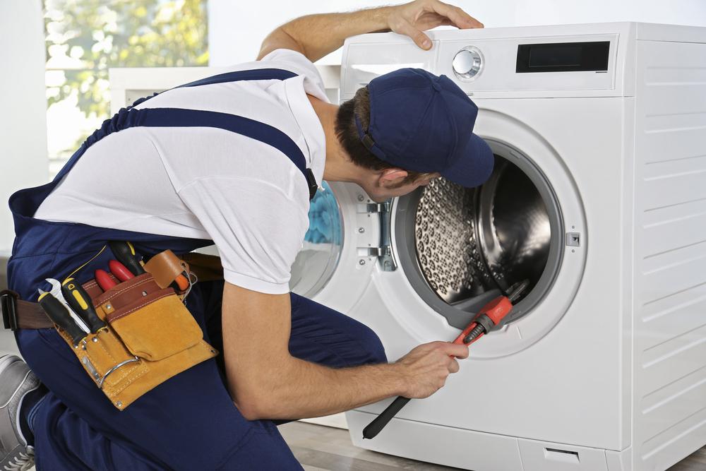 Эксперт назвал способ продлить срок эксплуатации стиральной машины: как определить главные неисправности