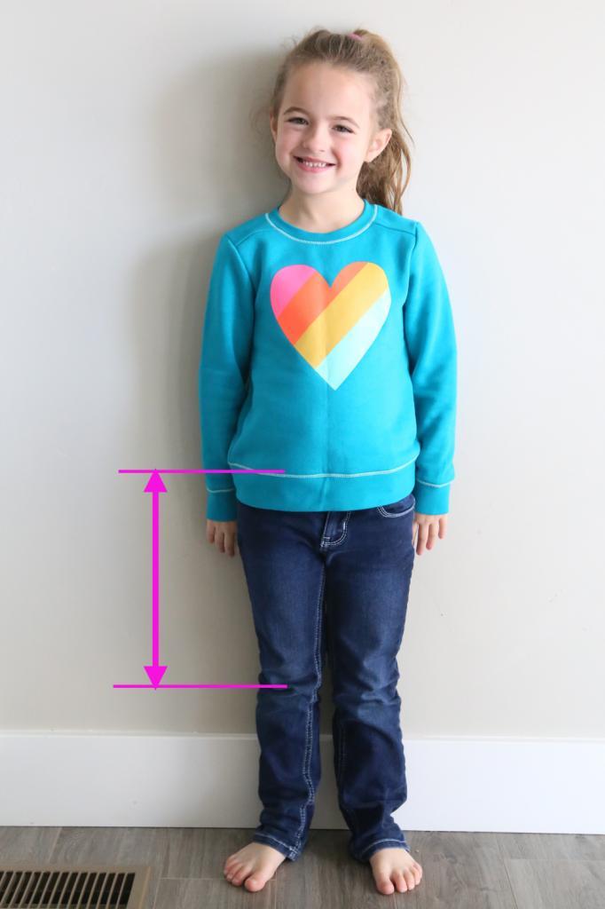 Как переделать детский свитер в симпатичное платье (нужен всего час — и обновка готова)