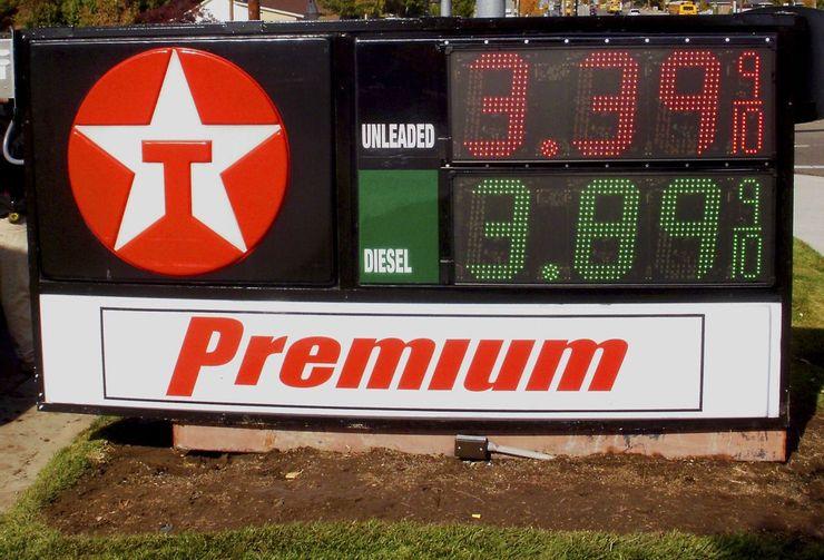 Низкие доходы, цены на бензин и другие причины, почему европейцы предпочитают владеть маленькими автомобилями