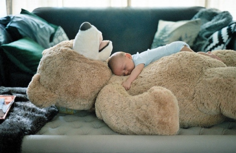 Чтобы ребенок спал долго и крепко, нужно произнести нужные слова (они успокоят даже капризного малыша)