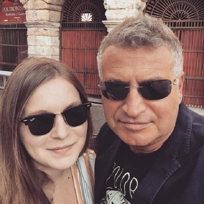 «Когда дочь перестала говорить по-русски, я испугался»: Леонид Агутин раскрыл подробности жизни своих детей