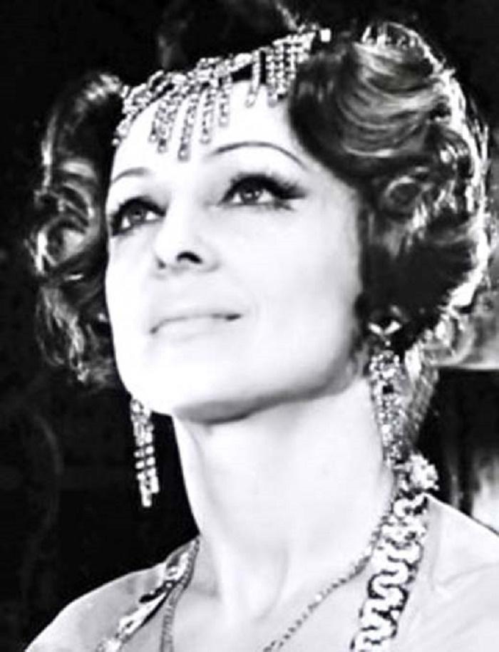 Принцесса цирка. Стилисты превратили 80-летнюю Долорес Запашную в королеву