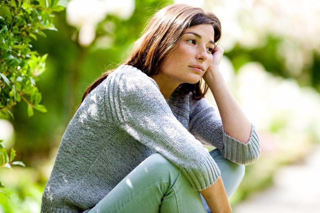 """""""Чаще беседовать по душам или даже выговариваться"""": психолог рассказала, как предотвратить весеннюю депрессию"""