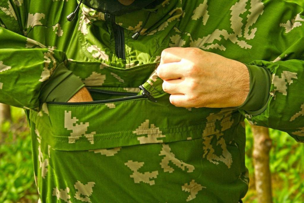 На природу одевайтесь так, чтобы можно было провести быстрый осмотр: спасатели назвали россиянам эффективные способы защиты от клещей